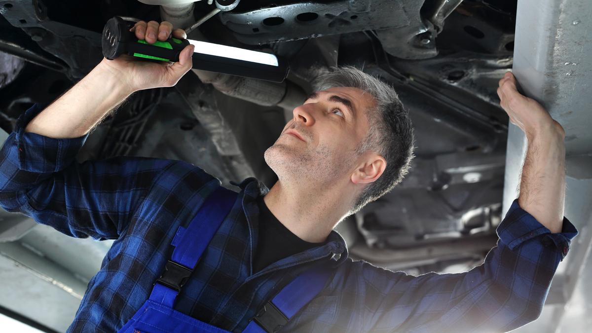 ¿Cómo saber si el chasis del carro está en buen estado?