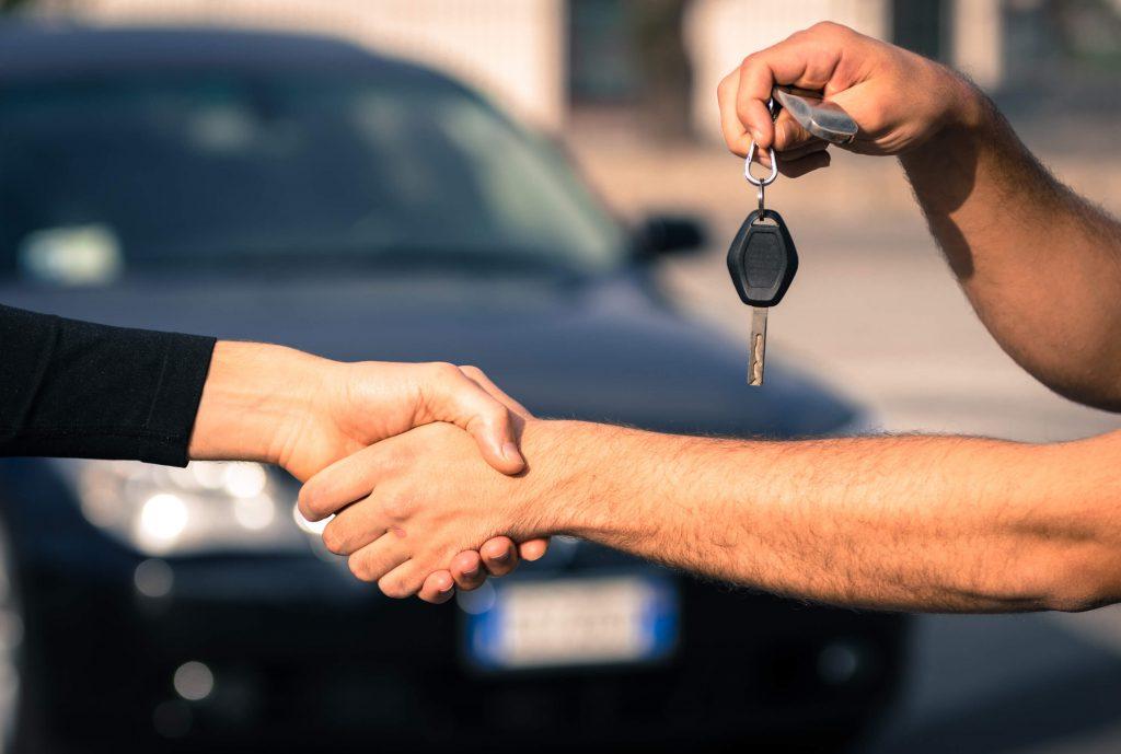 Documentos necesarios para comprar un carro usado en Colombia