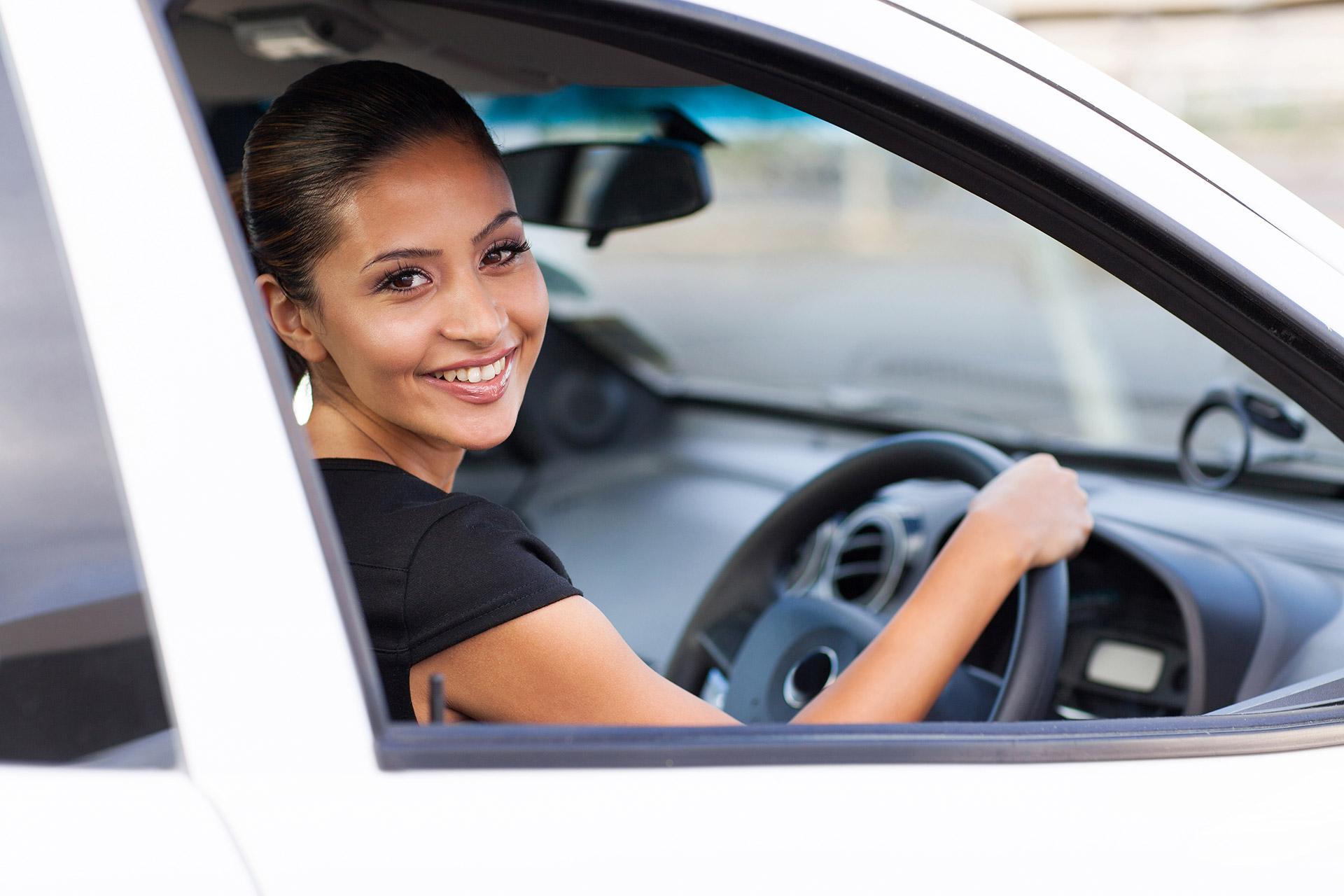 Cómo conocer los antecedentes de un carro usado
